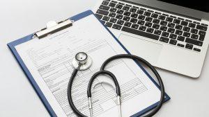 Por qué llevar a cabo la digitalización de documentos de tu hospital o clínica
